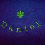 Bestickter Fleece Schal mit Daniel