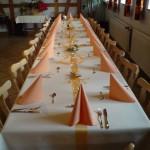 Lange Festtagstafel Tischdecke