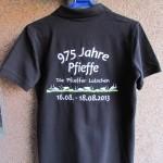 Poloshirt mit Rueckenstick Die Pfieffer Latschen - Promotionshirt mit eigenem Logo